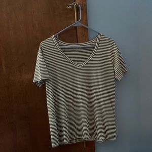 American Eagle Green striped v-neck tee